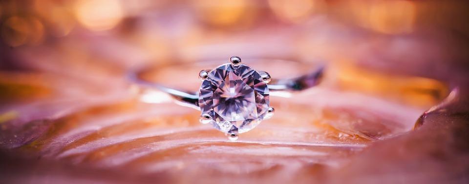 diamond-1839031_960_720